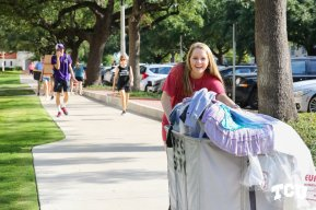 move-in on campus